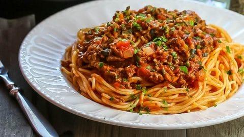 Quick-Easy-Spaghetti-Bolognese2-1-480x270